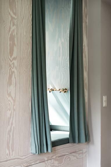 3-whimsical-doors-drawers-cubby-creations-karhard-architektur-9-cubby.jpg
