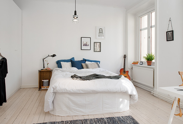 casually-comfortable-decor-driven-apartment-sweden-bed.jpg