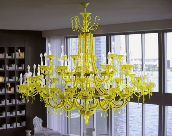 chamomilla-chandelier-installation-by-philippe-starck-at-viceroy-miami-2.jpg