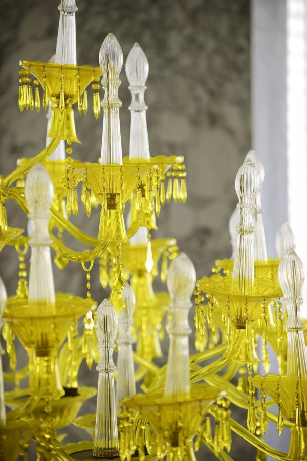 chamomilla-chandelier-installation-by-philippe-starck-at-viceroy-miami-3.jpg