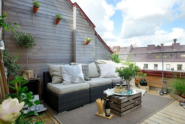 cozy-apartment-scandinavian-style-balcony-day-1.jpg