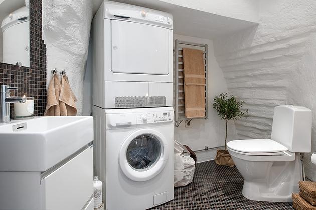 cozy-apartment-scandinavian-style-bathroom-1.jpg