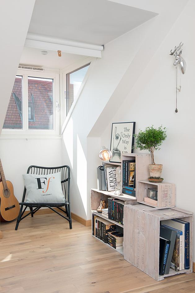 cozy-apartment-scandinavian-style-bedroom-2.jpg