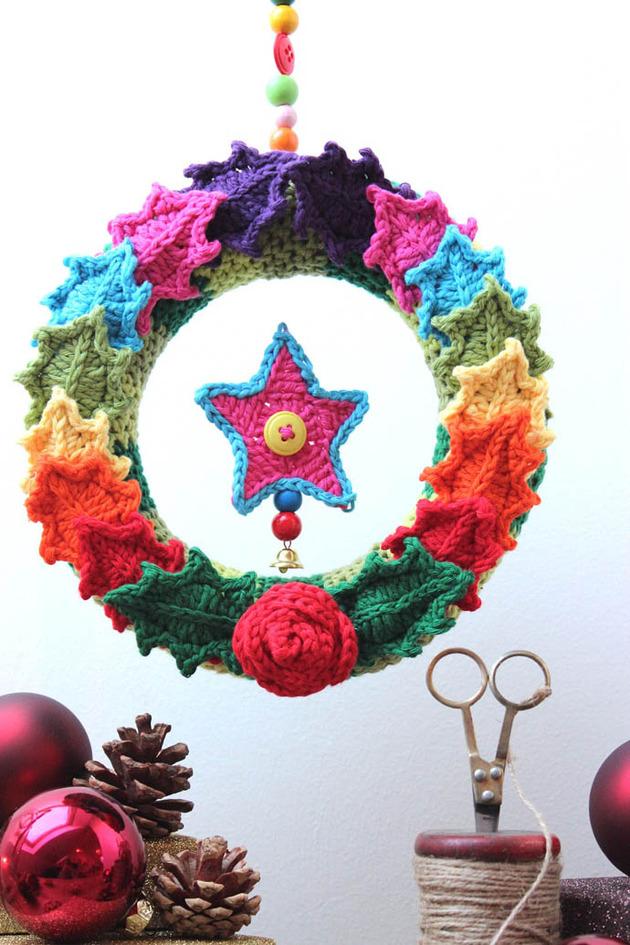 crocheted-christmas-tree-ornaments-2-wreath.jpg