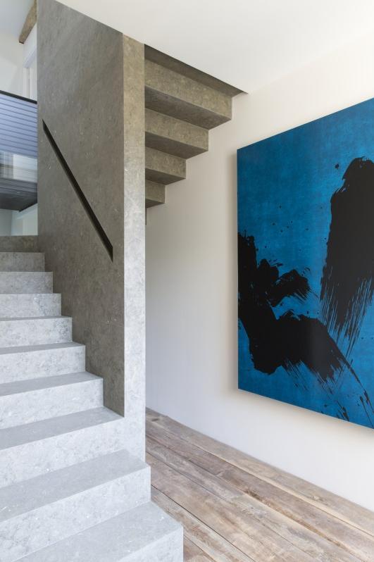 dash-panache-paris-apartment-pierre-yovanovitch-2-stairwell.jpg