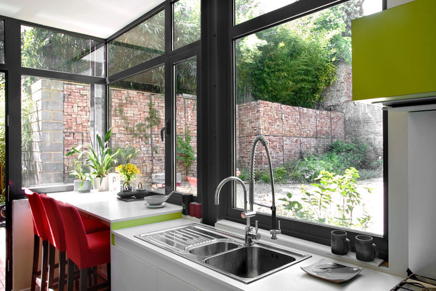 exposed-brick-steel-create-backdrop-contemporary-residence-4-kitchen.jpg