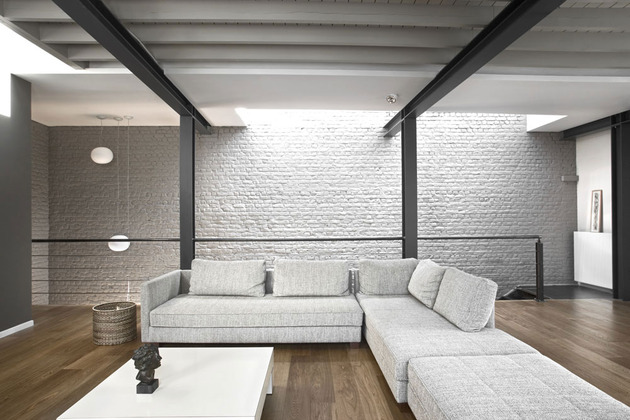 exposed-brick-steel-create-backdrop-contemporary-residence-8-family.jpg