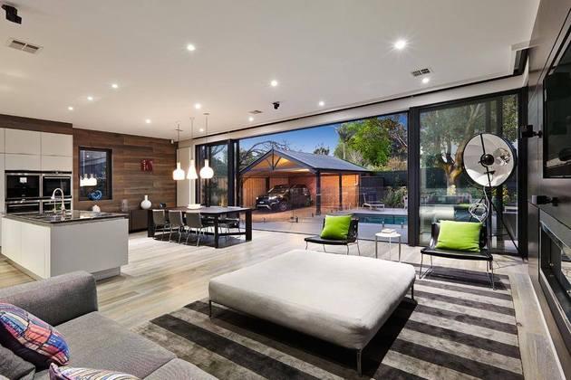 ideal-kitchen-dining-living-space-combination-idea-snaidero-3-backyard-thumb-630x420-24357