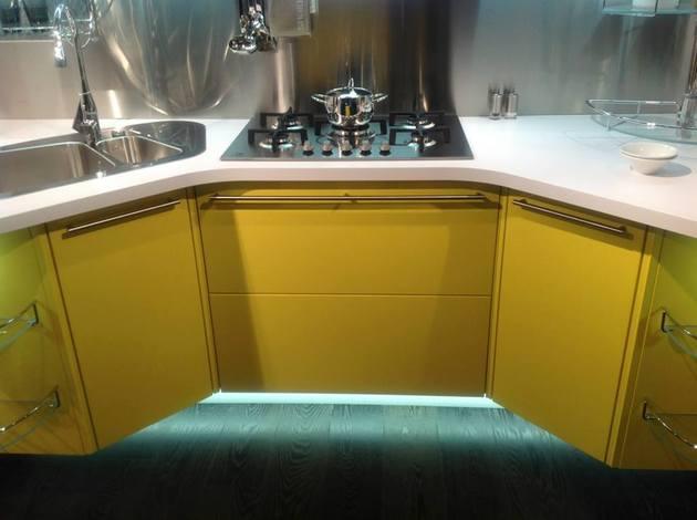 suspended-kitchen-skyline-2.0-by-snaidero-4.jpg