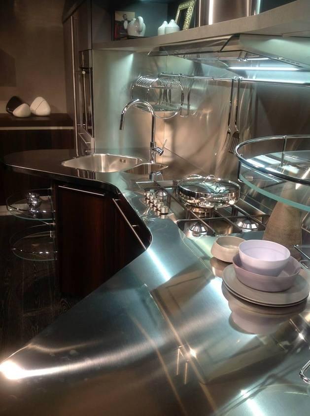 suspended-kitchen-skyline-2.0-by-snaidero-6.jpg