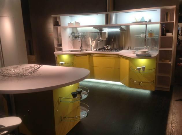 suspended-kitchen-skyline-2.0-by-snaidero-8.jpg