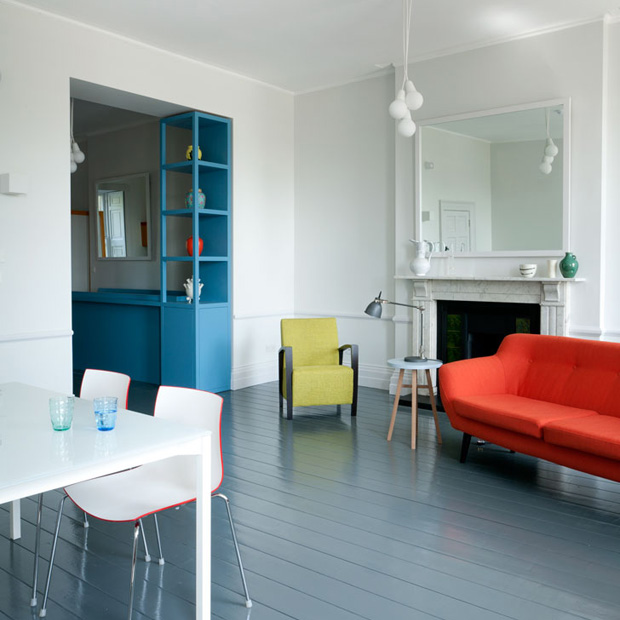 vibrant-colour-vignettes-vamp-up-georgian-apartment-1-living.jpg